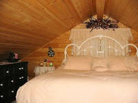 picture of a loft in a cabin built by bavariancottages.com in Saskatechewan, Canada